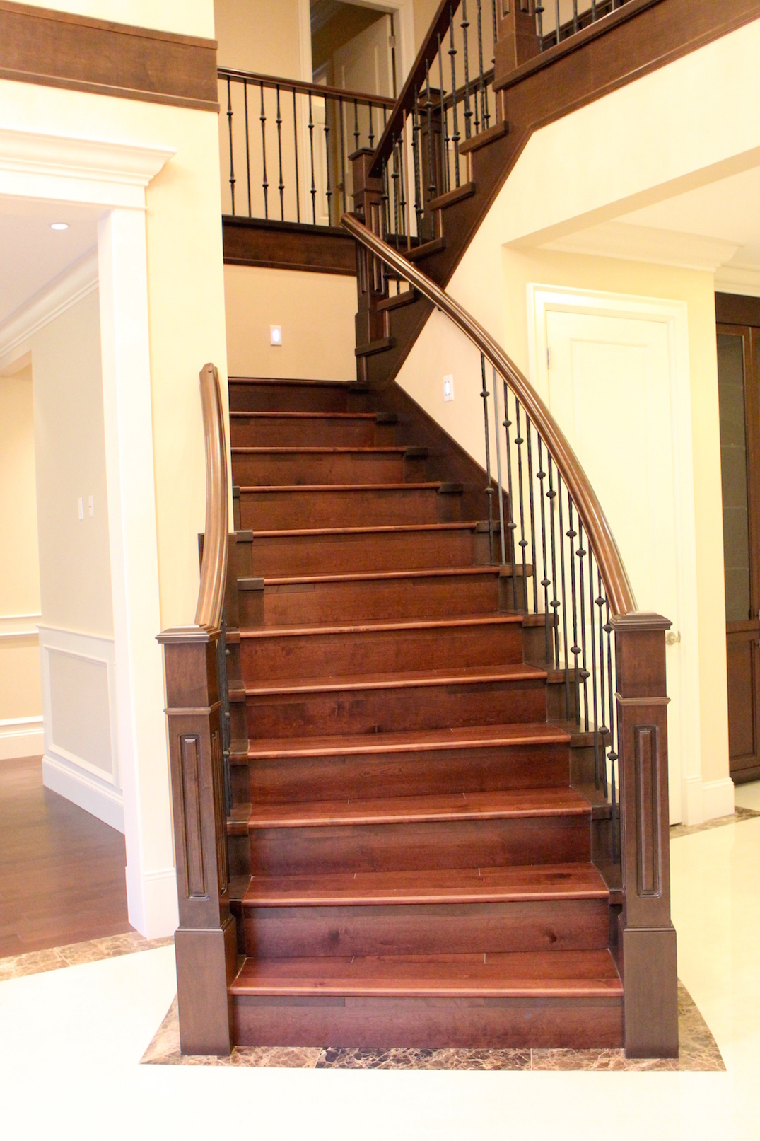 Wood stairs flooring isntaller carpet laminate for Hardwood floors on stairs