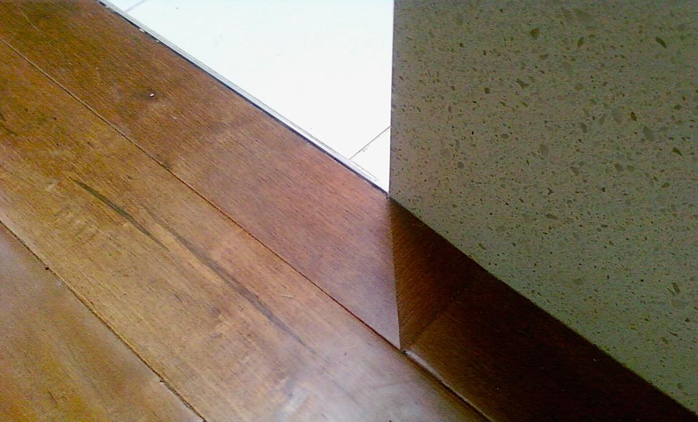 Hardwood transition to tile vancouver carpet laminate for Laminate flooring vancouver