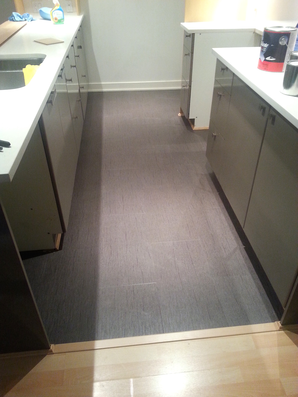 vinyl flooring kitchen isntallation