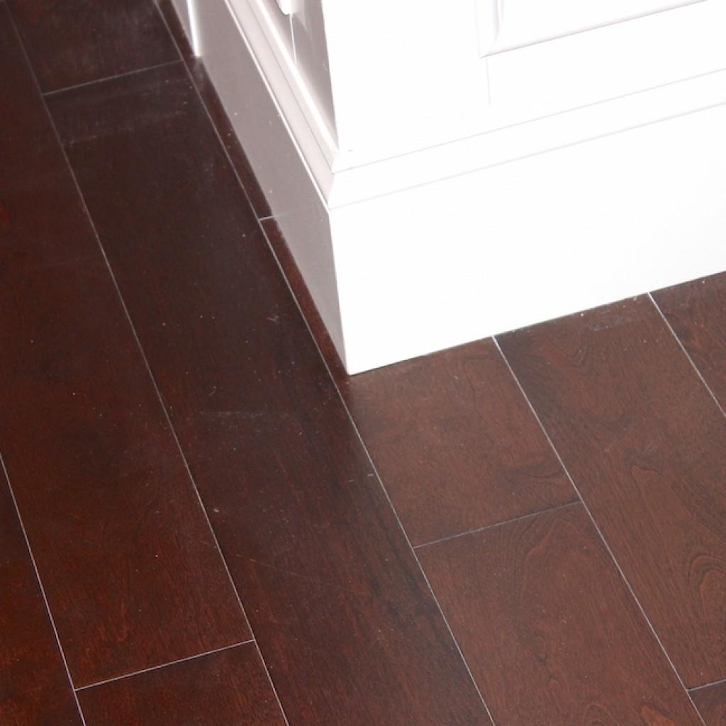 floor baseboards installation
