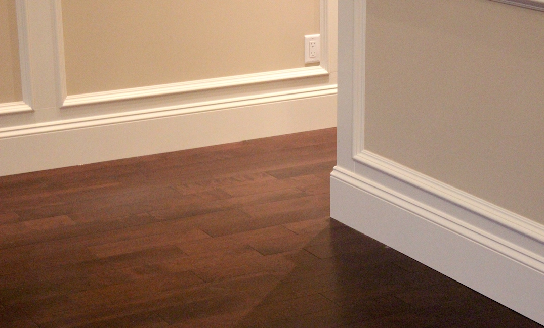 Flooring baseboard moulding vancouver carpet laminate for Hardwood floors vancouver