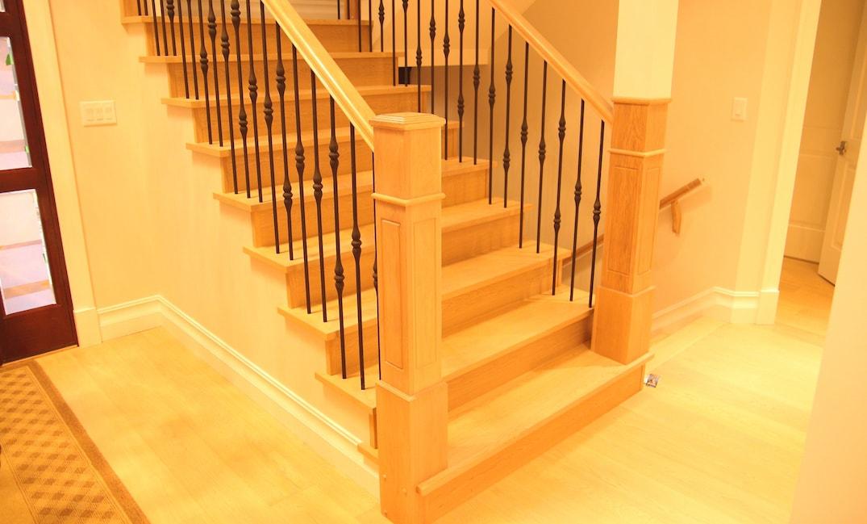 Hardwood instalaltion staircase