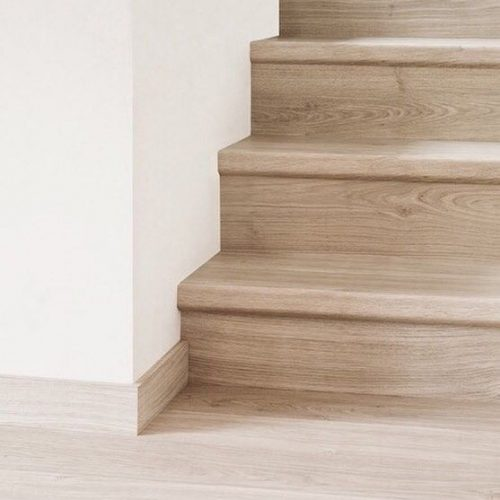 laminate-stairs-vancouver